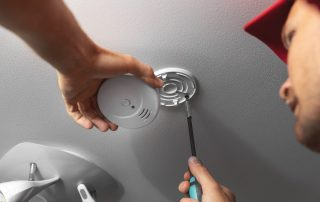 Smoke alarm installation for commercial builds